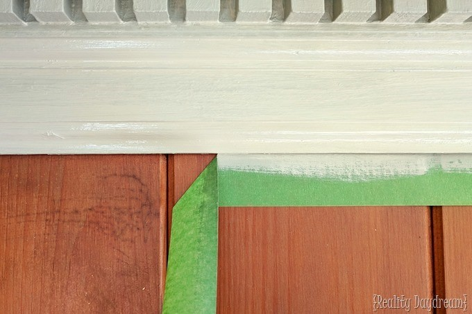 Using frog tape to make painting trim and molding easier [Reality Daydream]