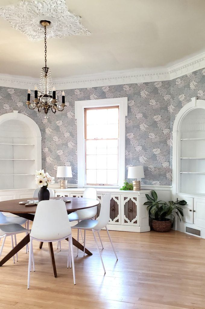 Finished dining room with new wallpaper! {Reality Daydream}