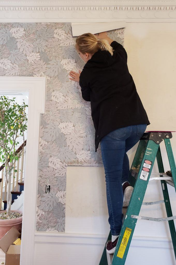 Putting up a strip of wallpaper with wallpaper paste {Reality Daydream}