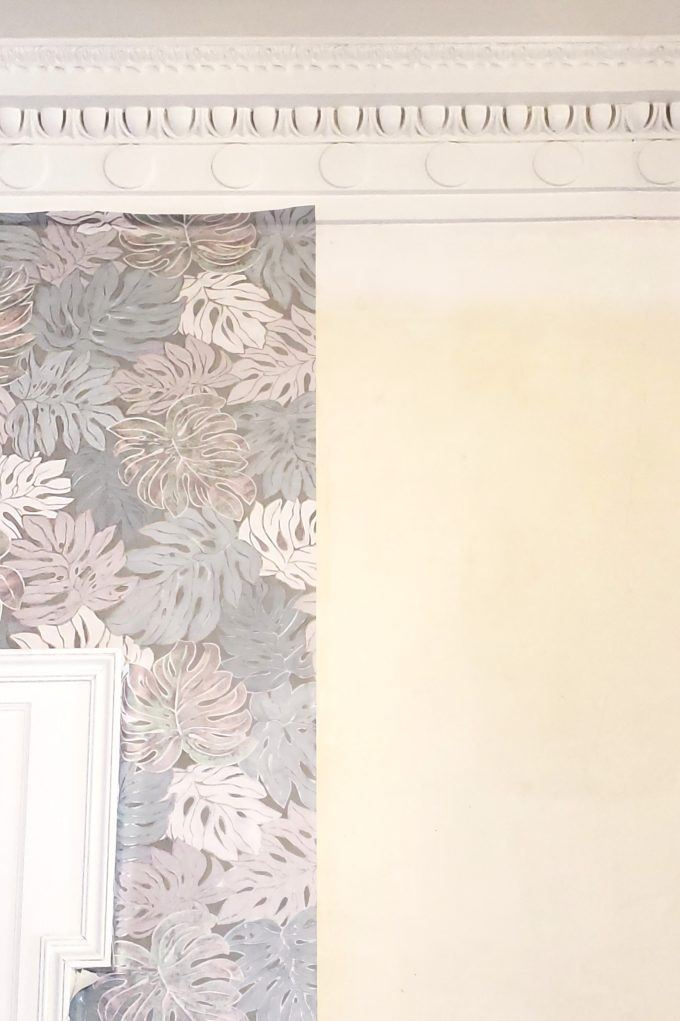 How to finish off the top edge of a wallpaper strip when applying wallpaper {Reality Daydream}