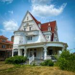 Queen of Hearts Mansion in Marshalltown, IA